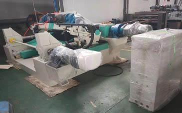 4ft Spindlelss Veneer Peeling Machine And Knife Grinder Machine Shipped To India